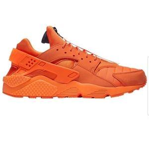 NIKE AIR HUARACHE RUN QS orange 8.5